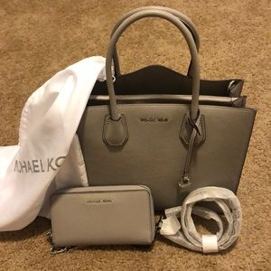 Michael Kors Mercer Purse + Wallet - Pearl Grey